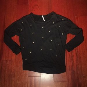 Black 3/4 sleeve sweater